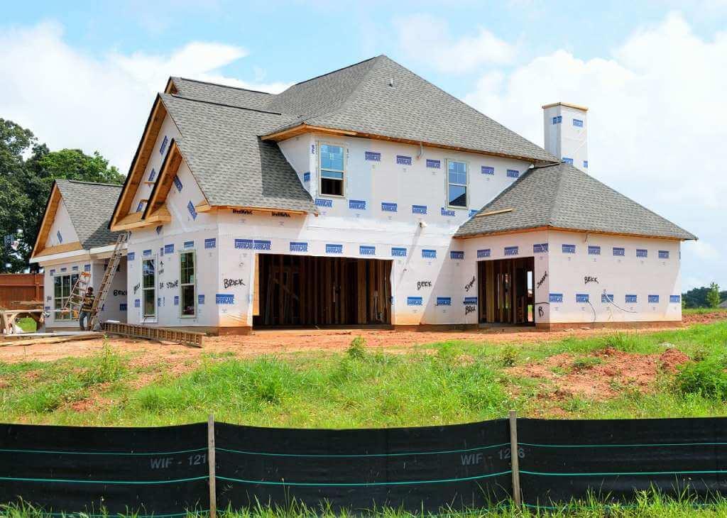На фото изображен новый дом.